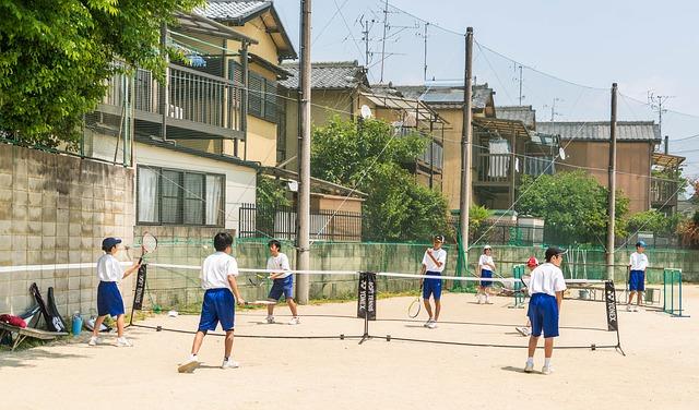 Insegnare ai bambini a tennis