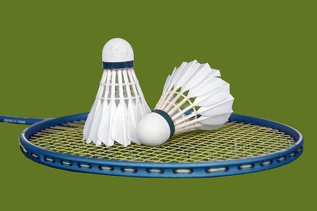 Legatura e restringimento di una racchetta da tennis