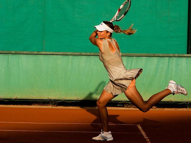 Il tennis è un sacco di divertimento, ma duro sulle ginocchia