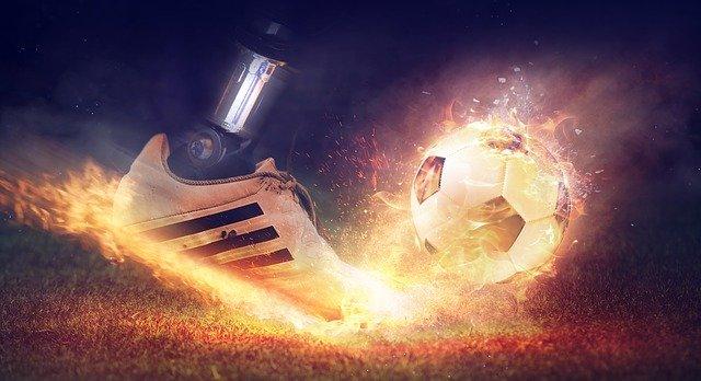Uniformi sportive: fantastici design e tonalità per i vincitori